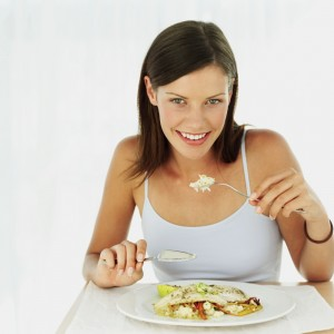 girl eating diet food delivery meals